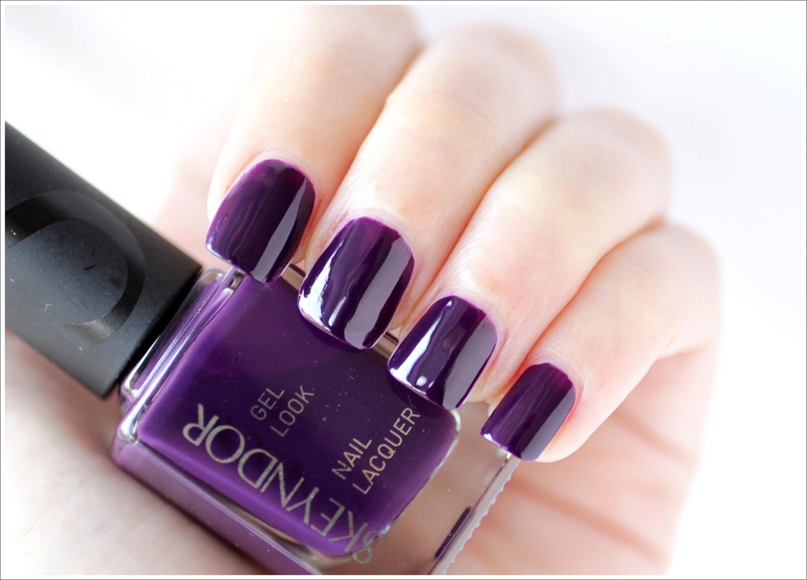 Esmalte Midnight Purple de Skeyndor - DoBeauting