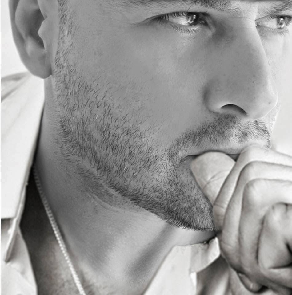 Συνέντευξη με τον Βασίλη Γρίβα  στο e magazine&radio maga Απο τον Παναγιώτη Ντάικο