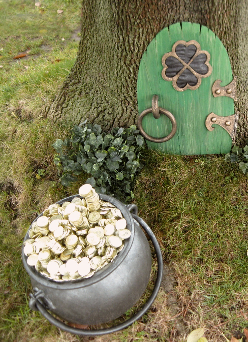Dave lowe design the blog making the leprechaun door for Irish fairy door ideas