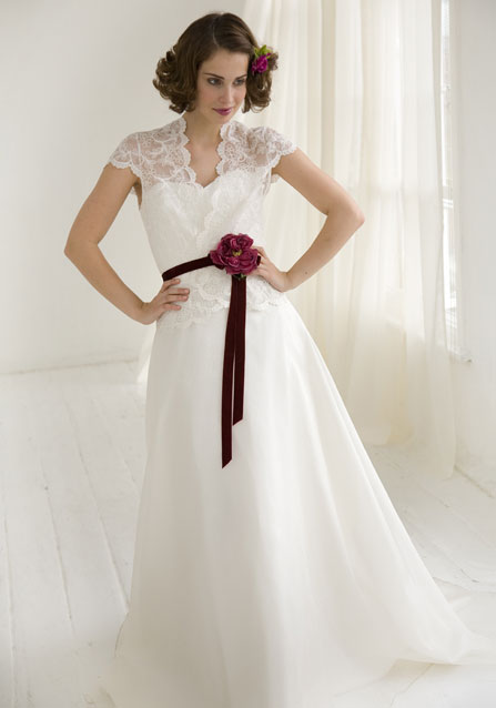 Muhlisah Red And White Wedding Dresses