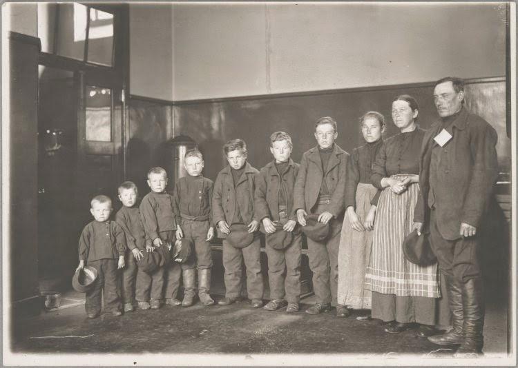 La Vie Des Immigrants A Ellis Island