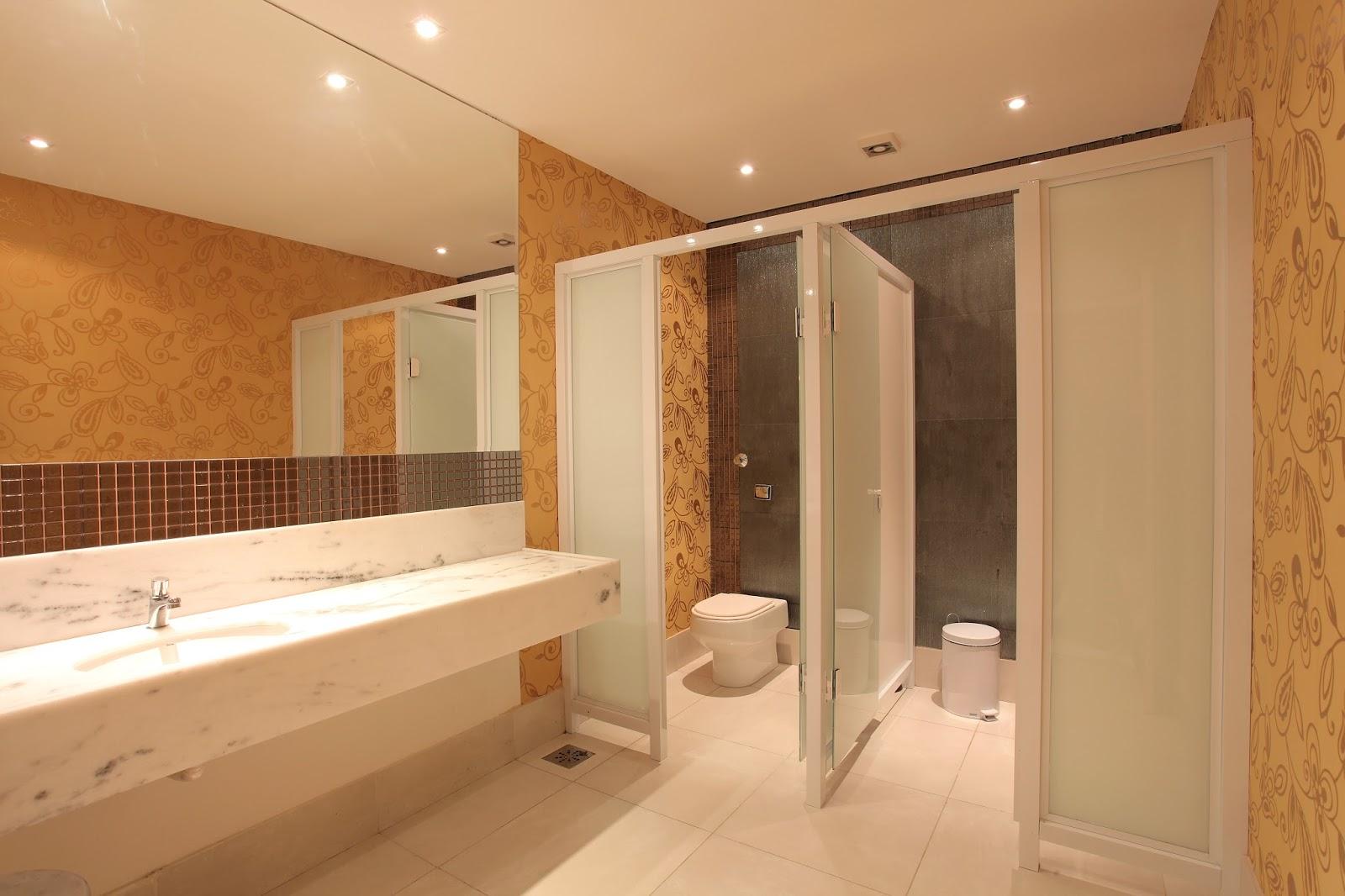 quadros acessórios de banheiros. Papel de parede também da Bucalo #B96912 1600 1066