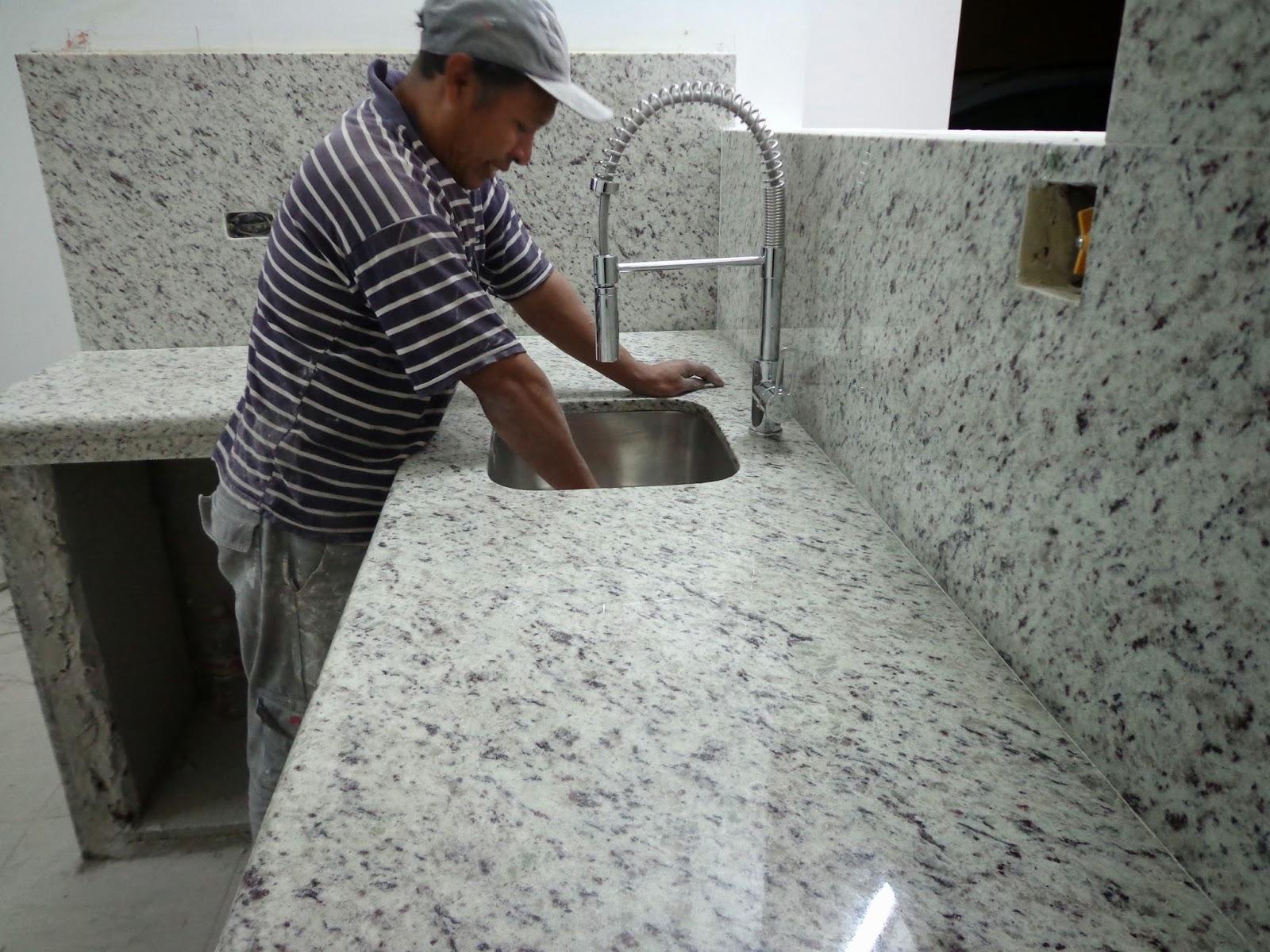 Maestro marmolista granito marmol piedras naturales lima for Granito en piedra