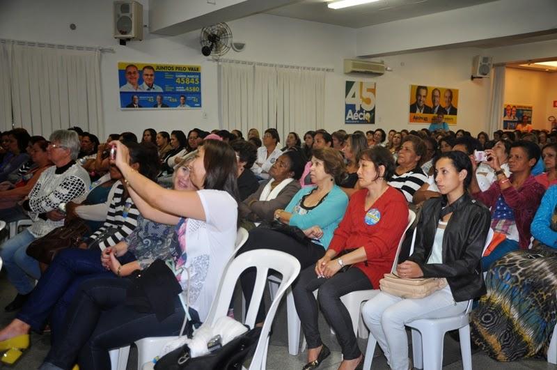 Encontro reúne mais de 450 mulheres em apoio ao Professor Gabriel Marcos