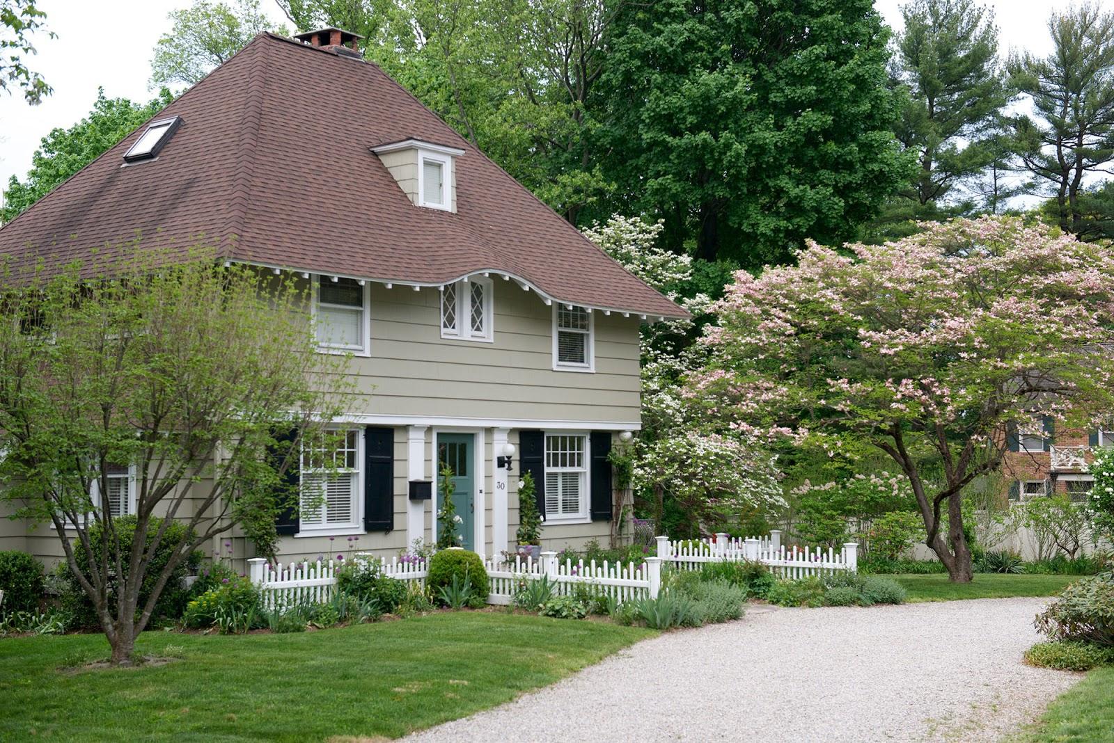 Cottage Style Shelters : Shelter cottage love