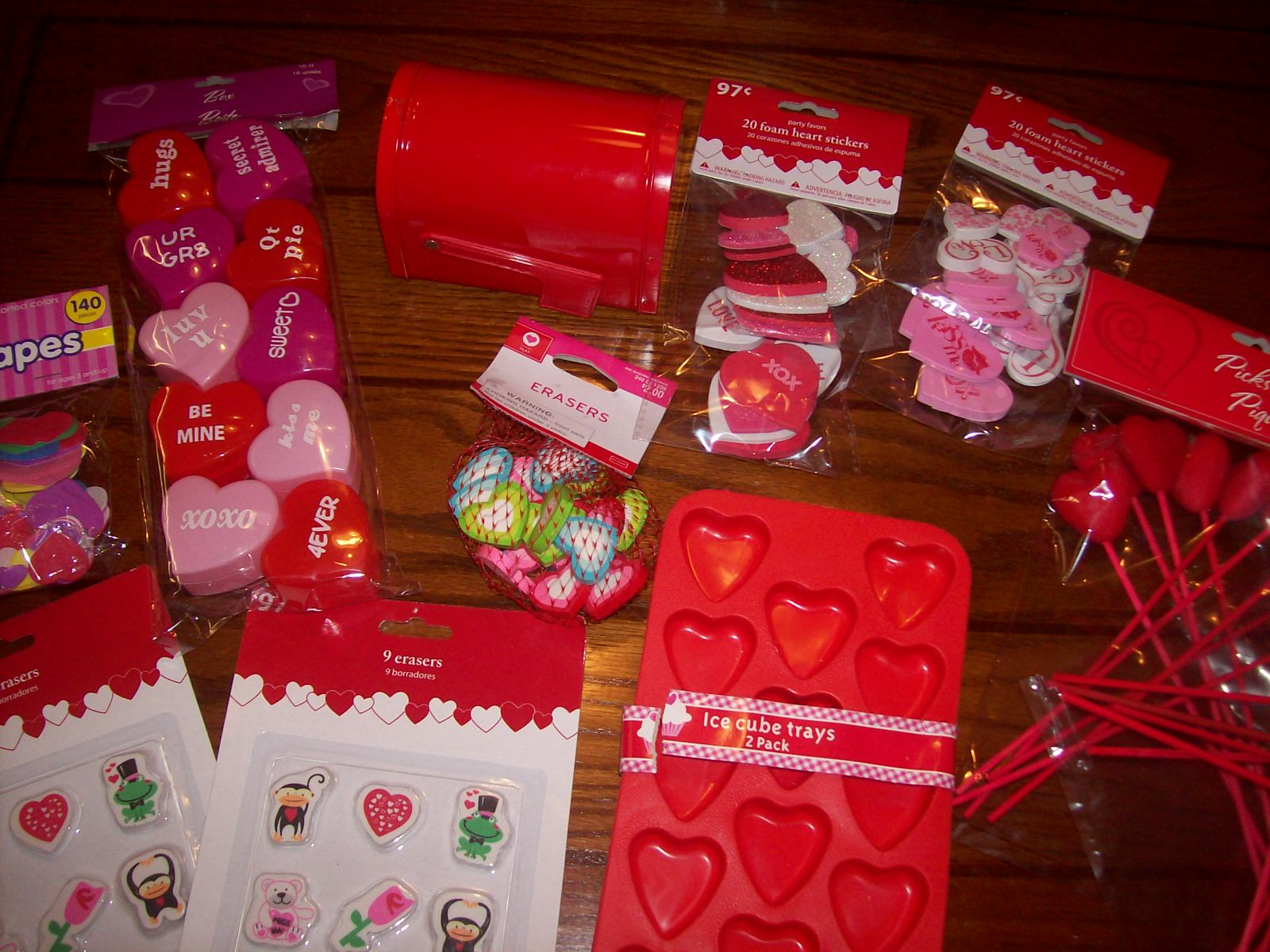 Valentineu0027s Day Sensory Bin