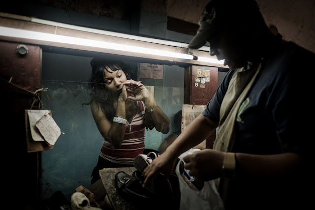 Harry Fisch, Cliente en La Habana. Zapateria. Nomad Expedition