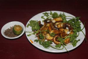 Grilled octopus (Bạch tuộc nướng)