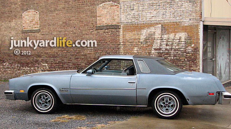 Junkyard life classic cars muscle cars barn finds hot for 1979 olds cutlass salon