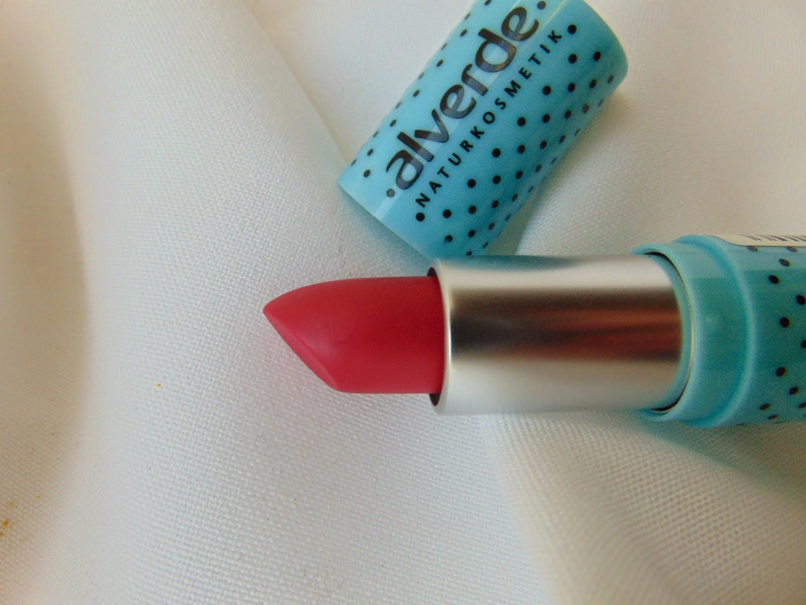 Alverde LE - Faboulus Fifties - Lippenstift - Dominant Pink 30 - www.annitschkasblog.de