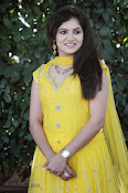 New Actress Noorjahan Photos in Yellow-thumbnail-20