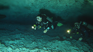 Cavern diving in a Mexican 'Cenote'