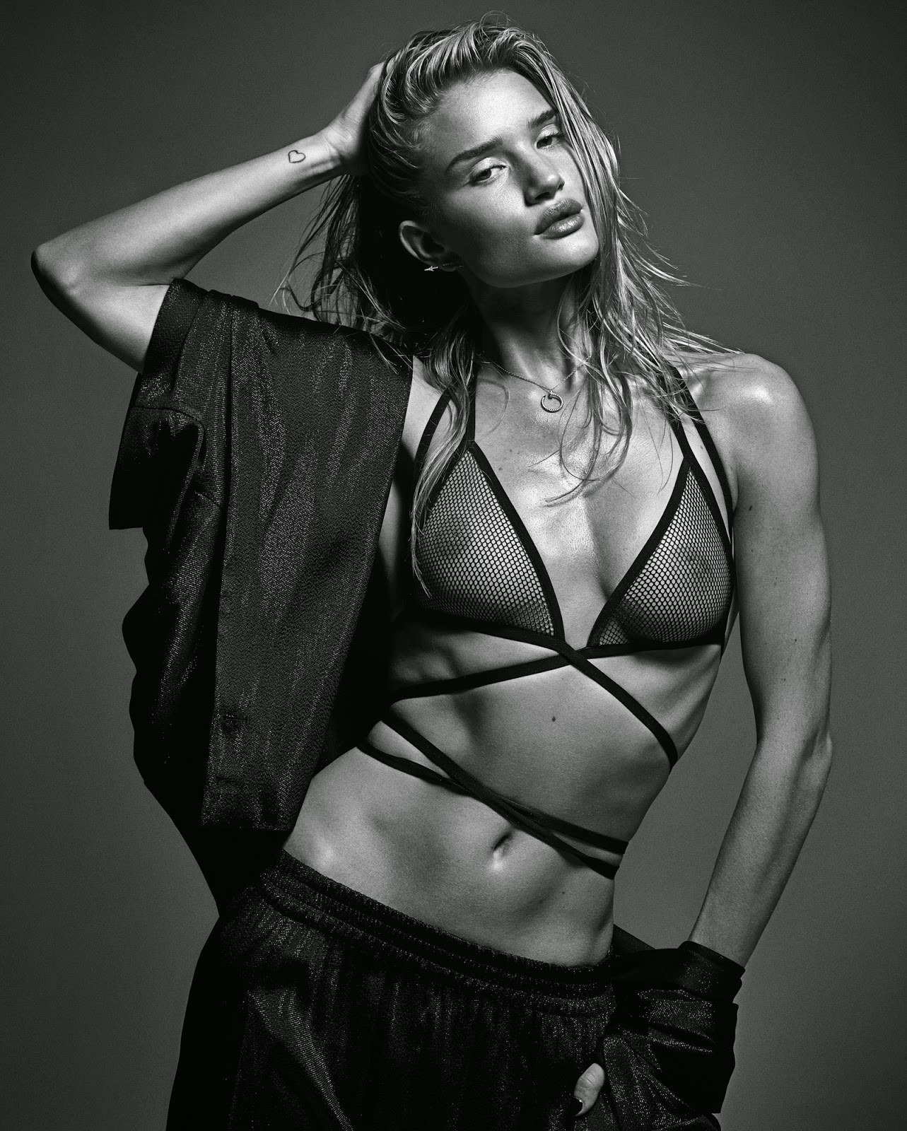 Rosie Huntington Whiteley w mag march 2014 mario sorrenti