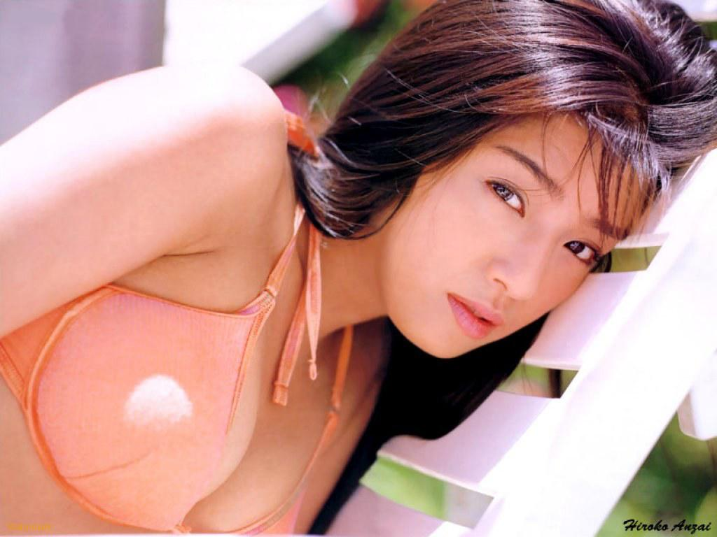 Japanese actress, model and gravure idol Hiroko Anzai Wallpapers
