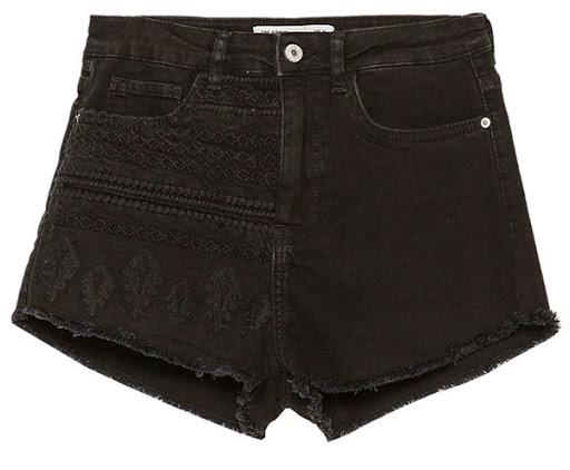 Model celana pendek denim dari Zara ($50)