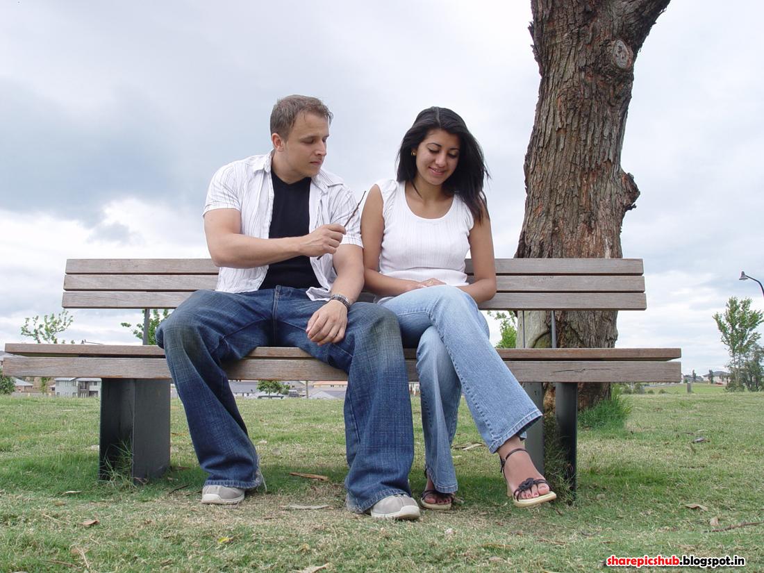 http://4.bp.blogspot.com/-gOBAHUFx_v0/UR0a89zEB6I/AAAAAAAAAQk/1xgLmpNpLH8/s1600/romantic-couple-wallpaper877+copy.jpg