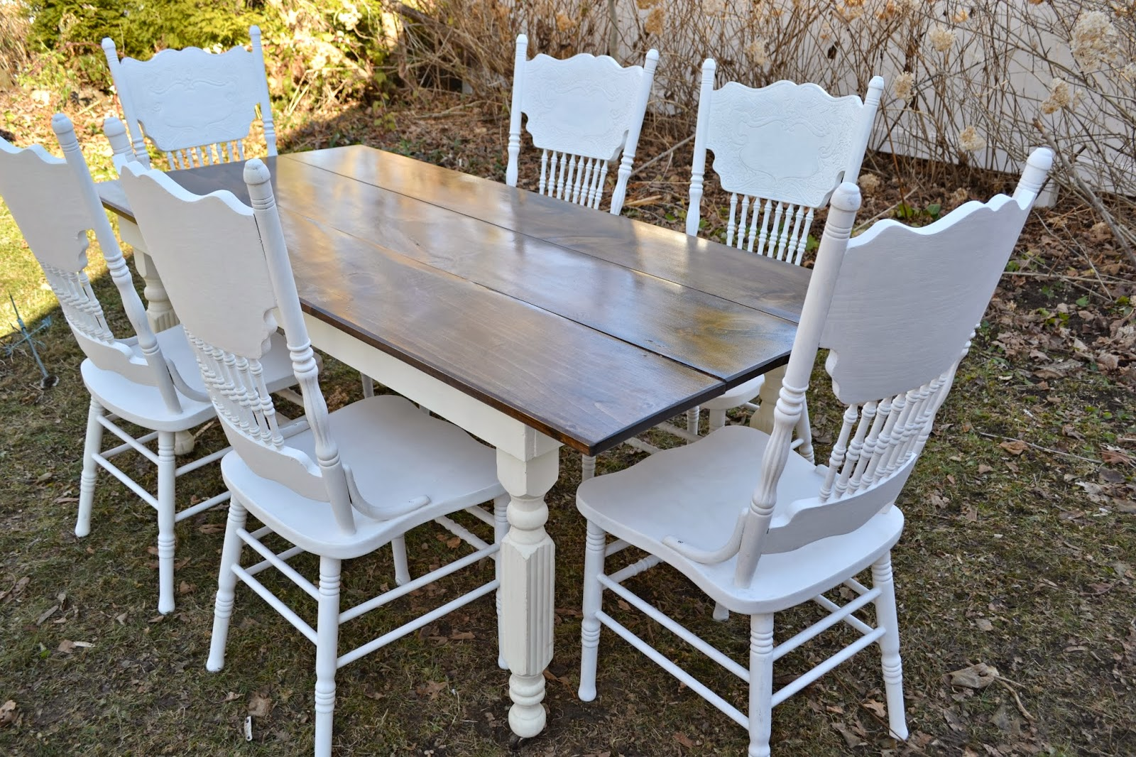 heir and space the farm table with chairs. Black Bedroom Furniture Sets. Home Design Ideas