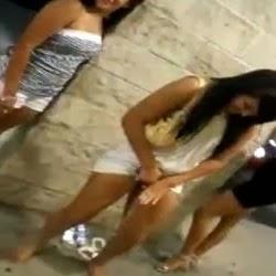 Flagra Das Gostosas Bêbadas Mijando na Rua Depois de Sair da Balada - http://www.videosdeflagrasamadores.com