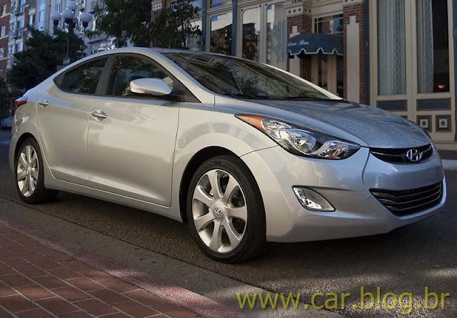 Novo Hyundai Elantra 2012 - prata