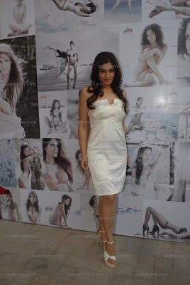 Raveena Tandon Hot