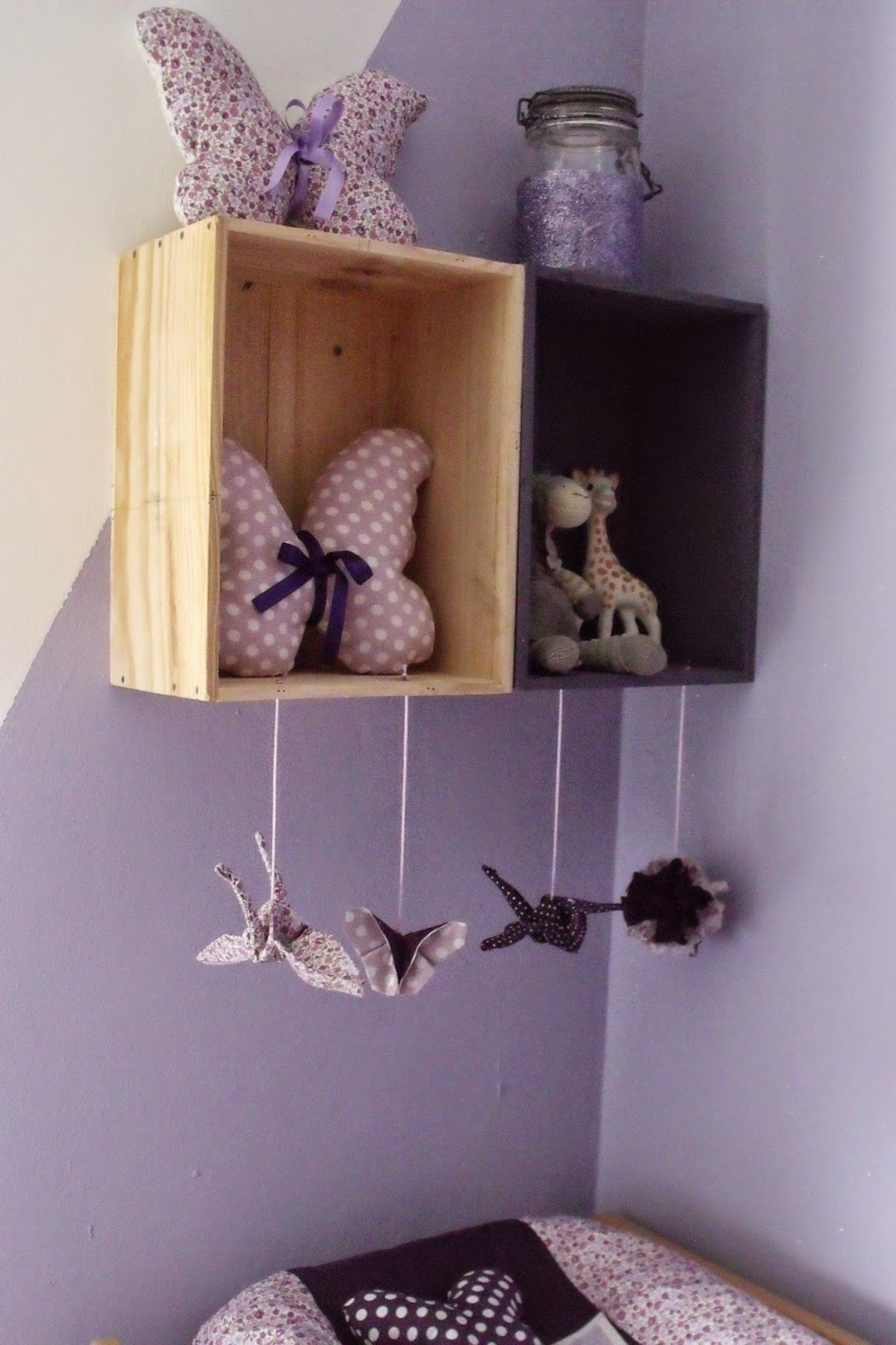 lili joue maman bricole tuto mobile table a langer a coudre en origami. Black Bedroom Furniture Sets. Home Design Ideas