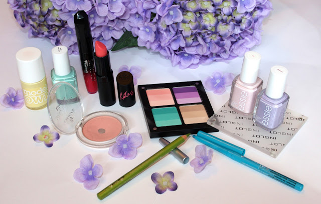My Favorite Spring Beauty Trends Products