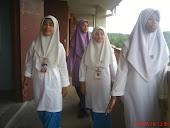 3 yakin's studentss :)