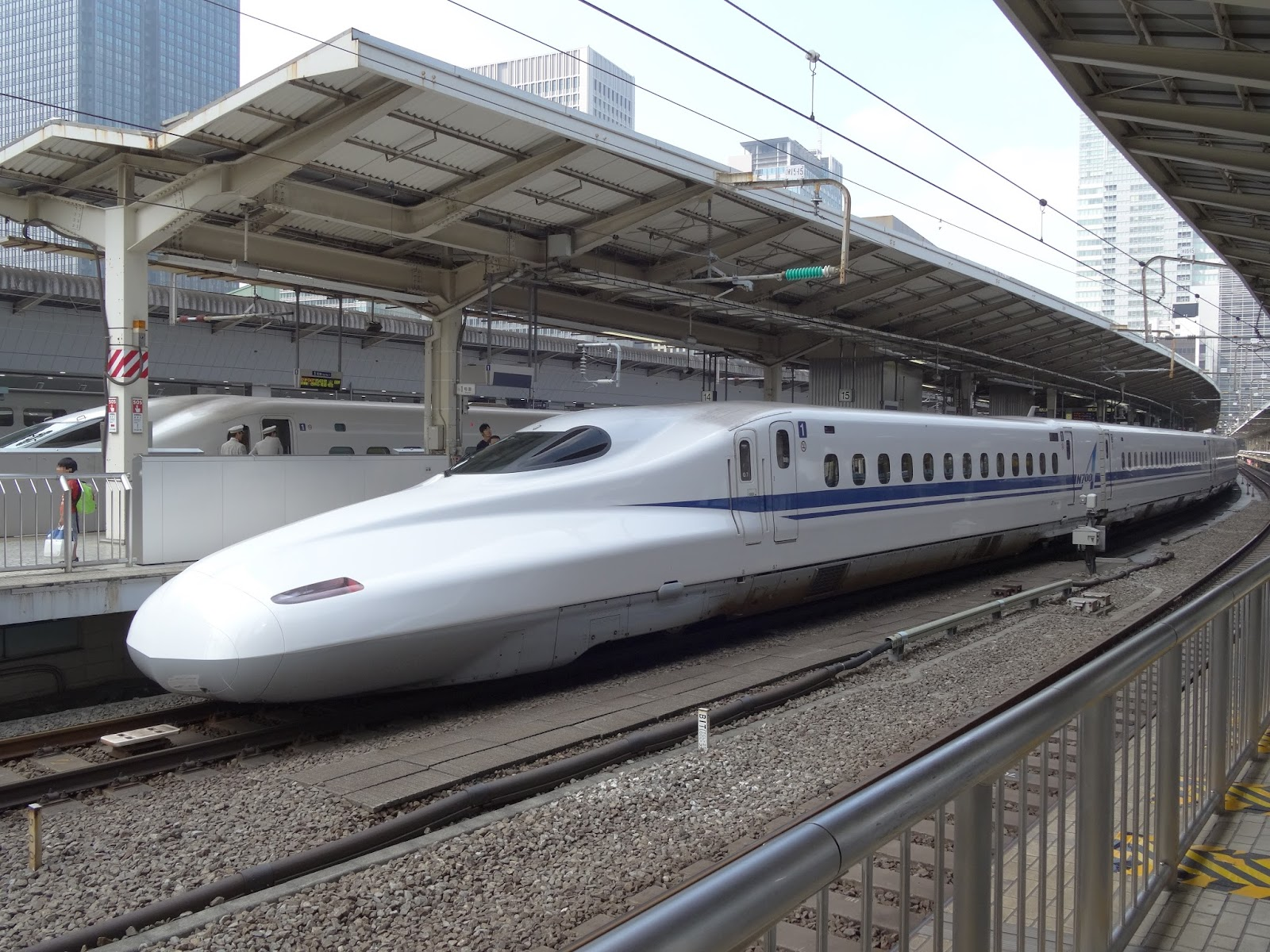 東京駅停車中のN700A