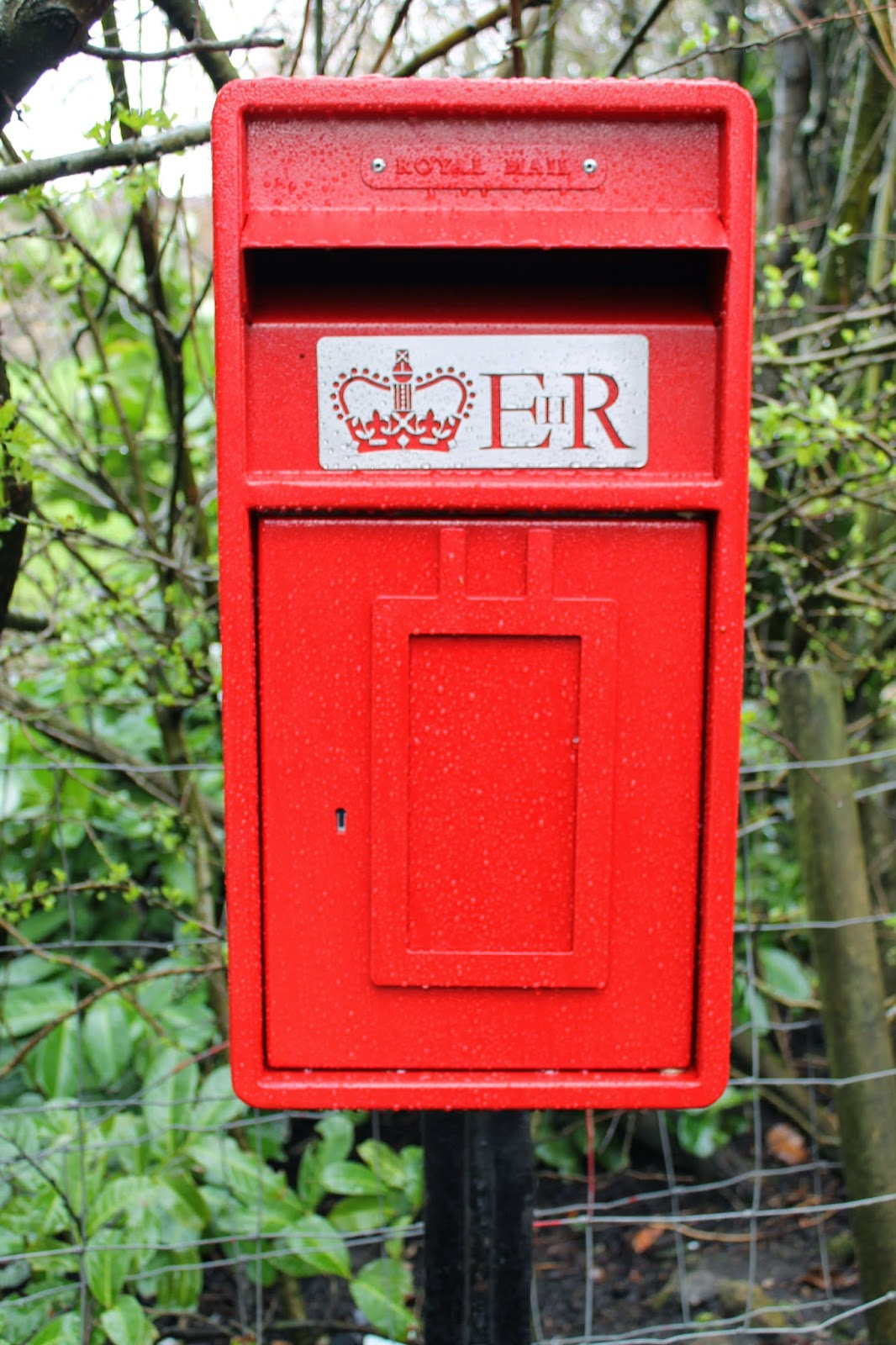 New Royal Mail Lamp Post Box