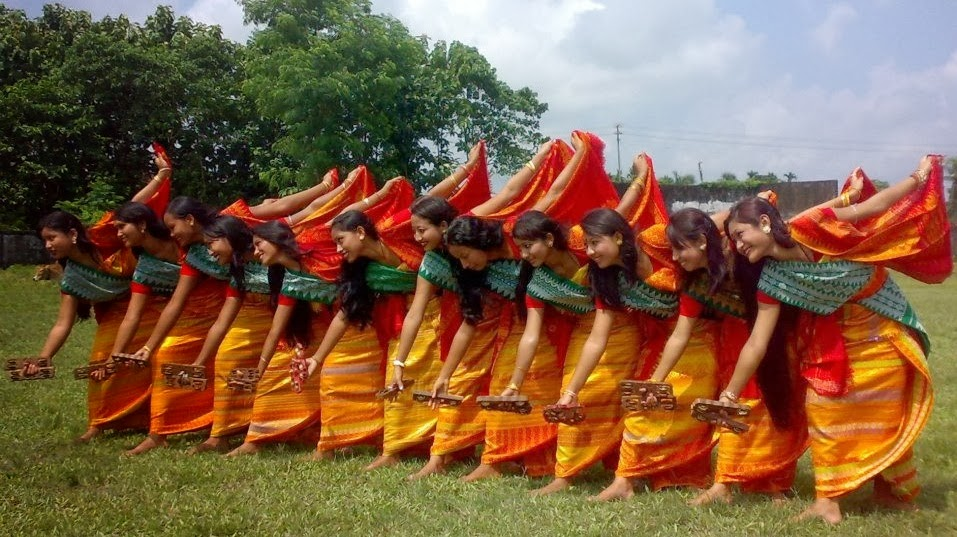 Happy Dance >> DIMORIAN REVIEW: All Bathou Mahasabha presented aspects of rich culture and tradition of Boro ...