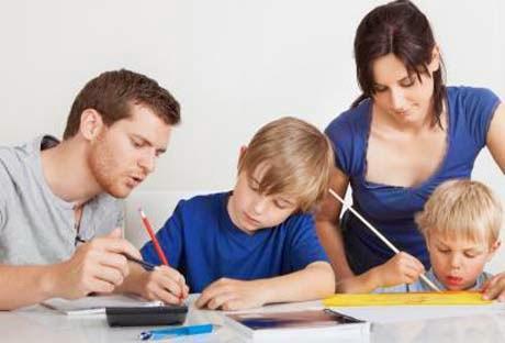 Peran Guru dalam Lingkungan Keluarga dan Masyarakat