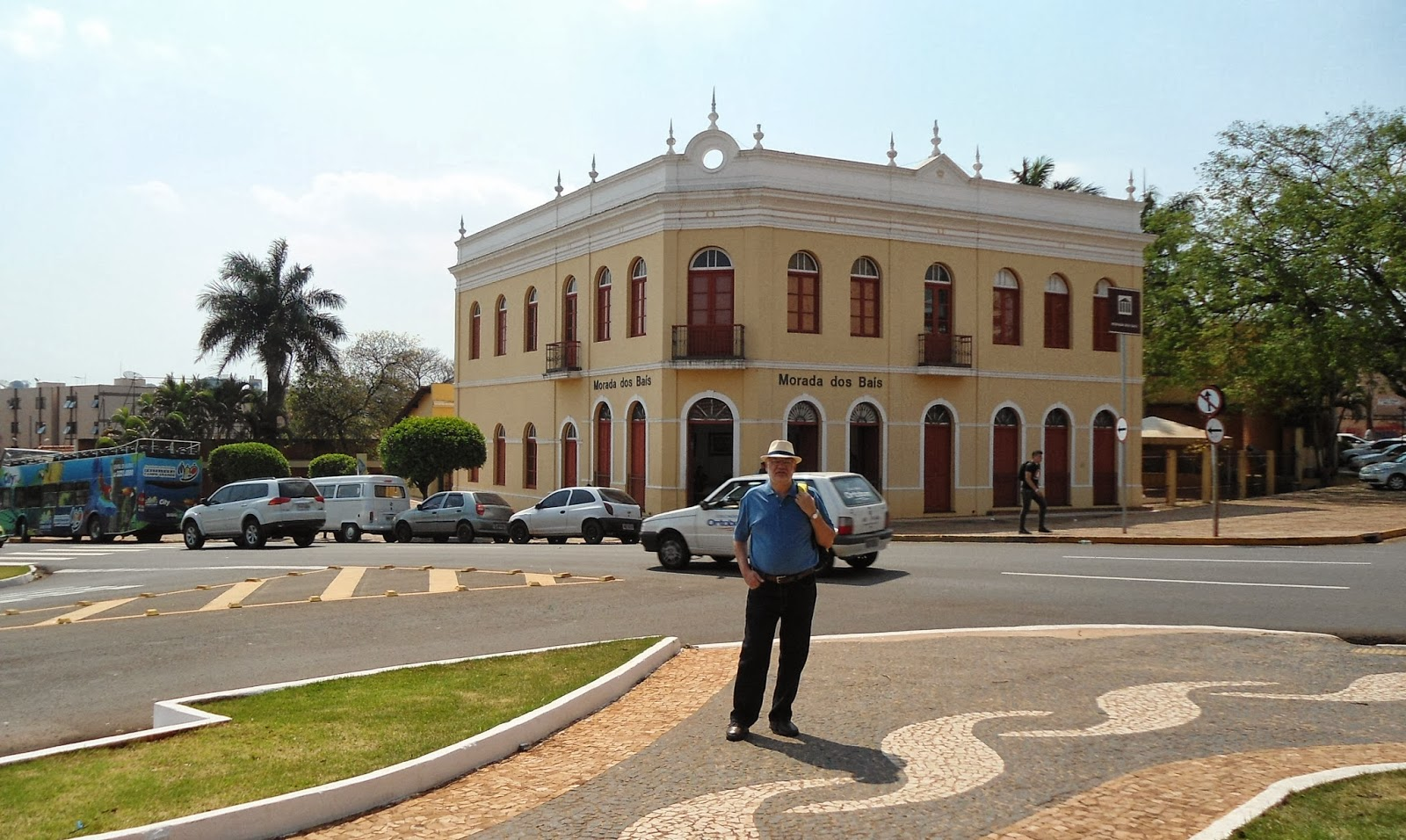 Av. Afonso Pena com Morada dos Baís ao fundo foto: arq. pessoal) #377D94 1600 956