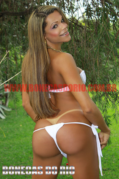 Foto Dominic Charr Travesti Bikini Branco Fio dental