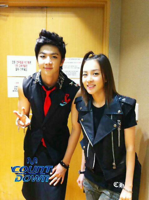 """Simply ("""", ): How does Sandara support her brother Thunder?"""
