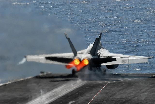 HI-TECH Automotive: Plane Takeoff Aircraft carrier