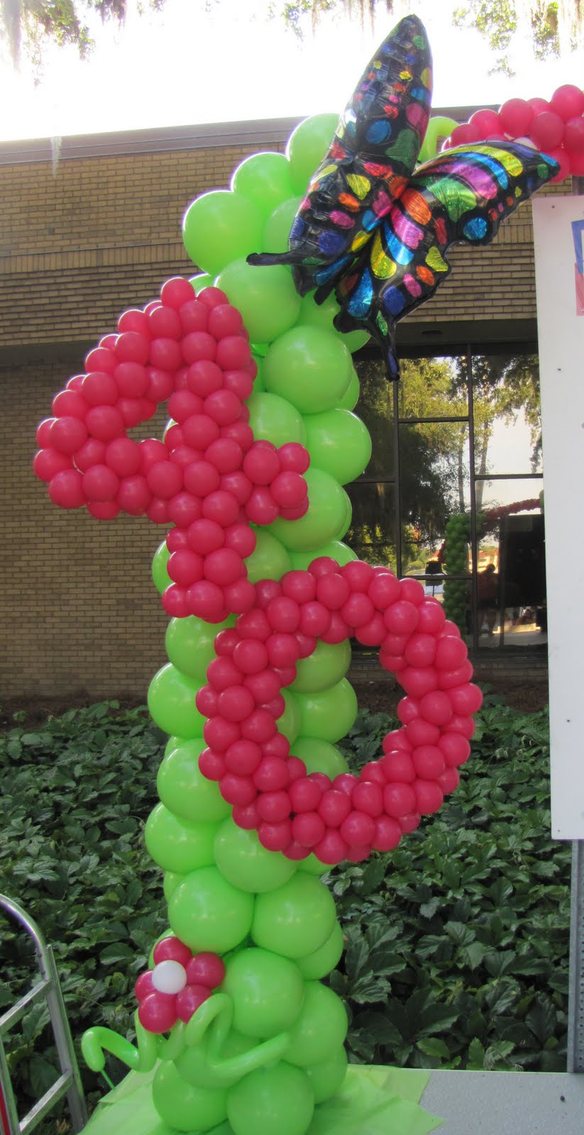 Party people event decorating company 40th birthday arch for Balloon decoration for birthdays