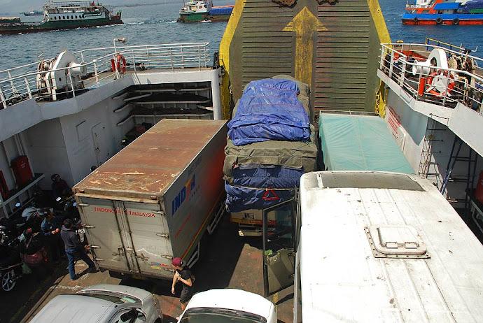 Ferry a Bali