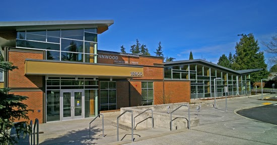 Snohomish county family activities lynnwood recreation center pool for Lynnwood swimming pool schedule