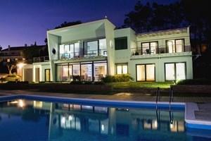 Casa do Lago, family friendly villa