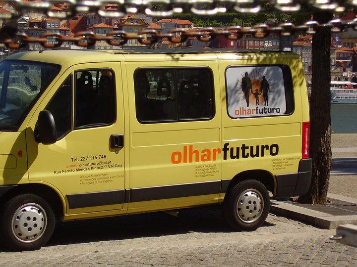 """INSTITUIÇÃO """"Olhar Futuro"""" ajude-nos a ajudar pf, divulgue esta instituição, obrigado!"""