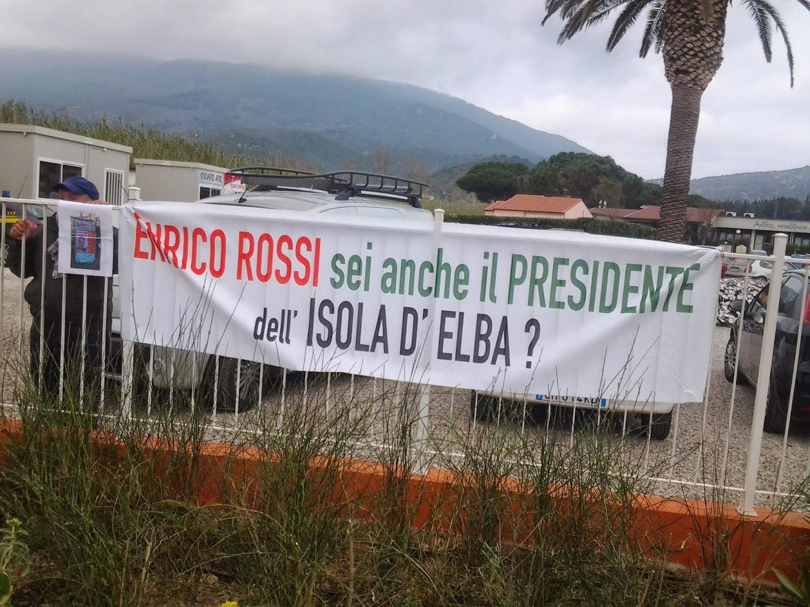 Elba, contestato il Presidente Rossi all'aeroporto