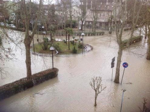 Disastrosa alluvione in romagna emilia sommersa di neve la bomba devastante foto il - Il meteo bagno di romagna ...