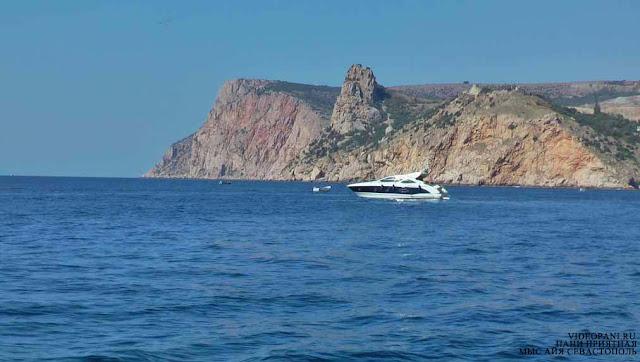 Mys Ajja Sevastopol Krym foto Plavat na jahte v Krymy