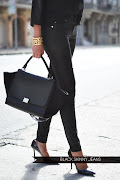 {1} Black skinny jeans. So classic and very chic. Need I say more?