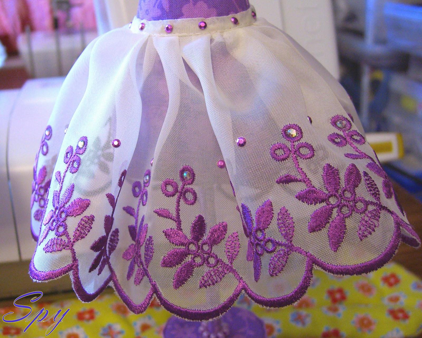 Вышивка ришелье в одежде