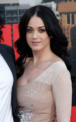 Katy Perry Ravishing at Arthur UK Premiere