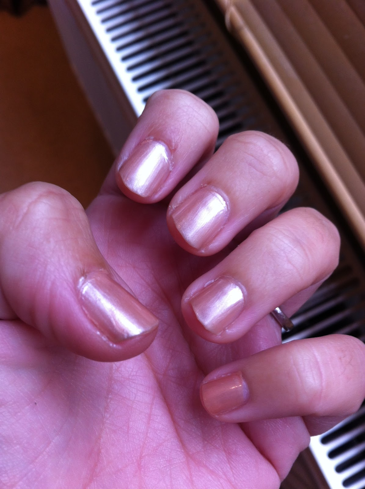 Beauty Review: Essie Tea & Crumpets