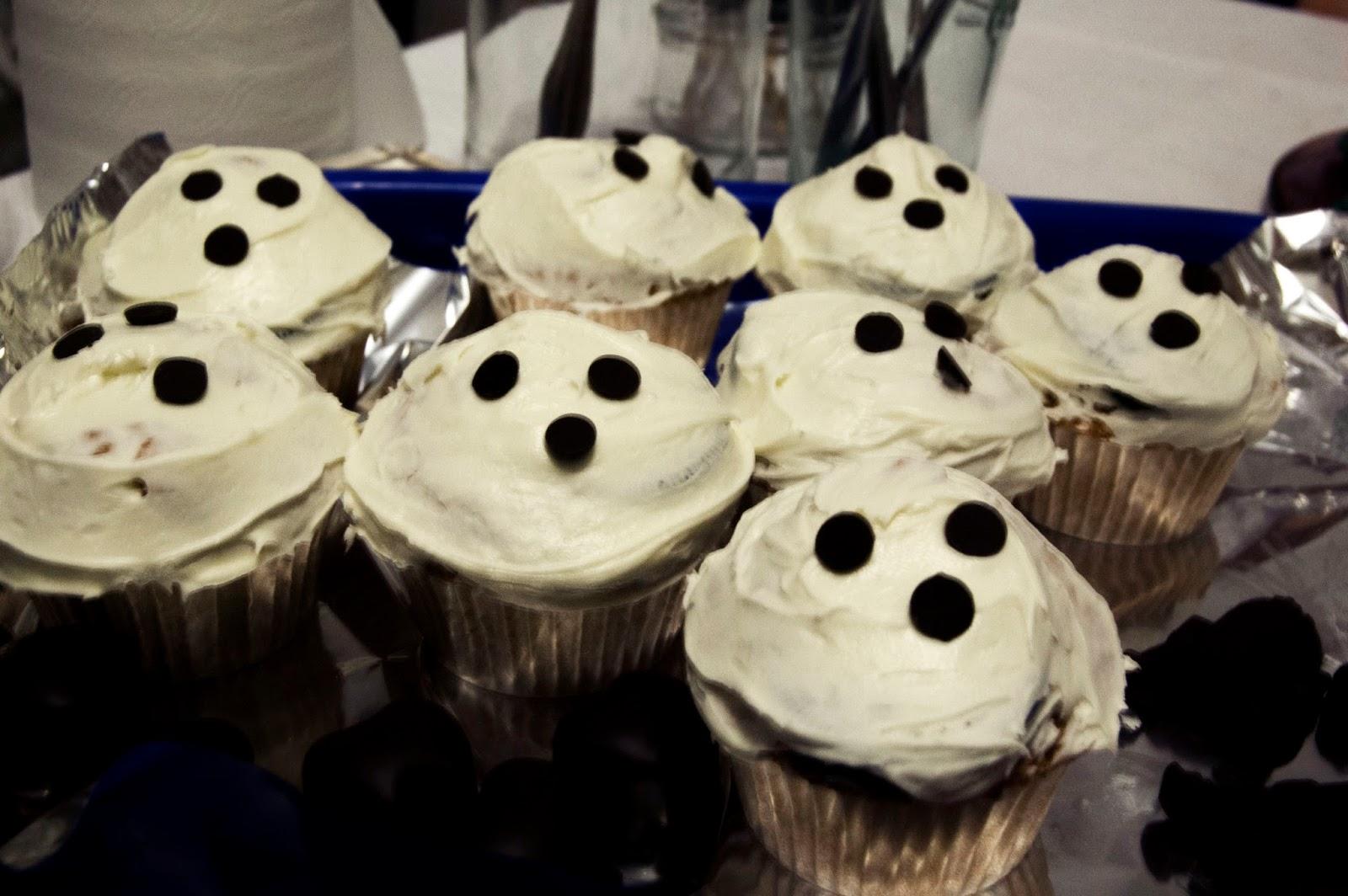 cena-de-halloween-cupcakes-fantasma