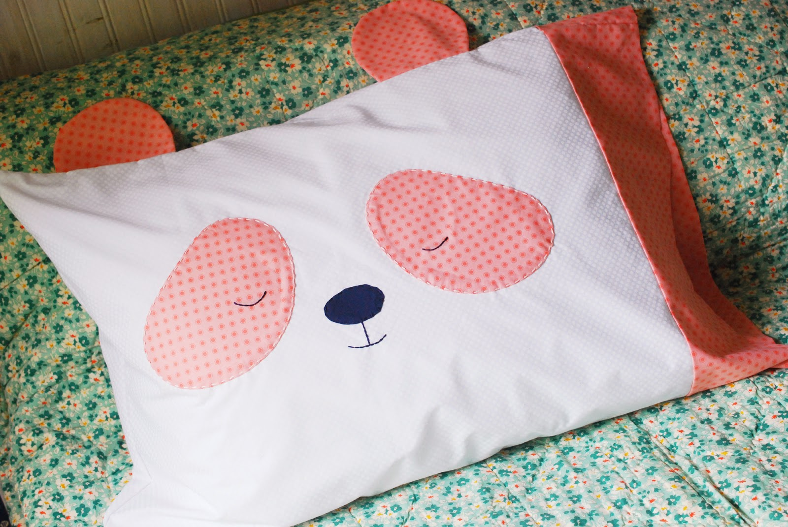 Pillowcase pattern - Panda Face