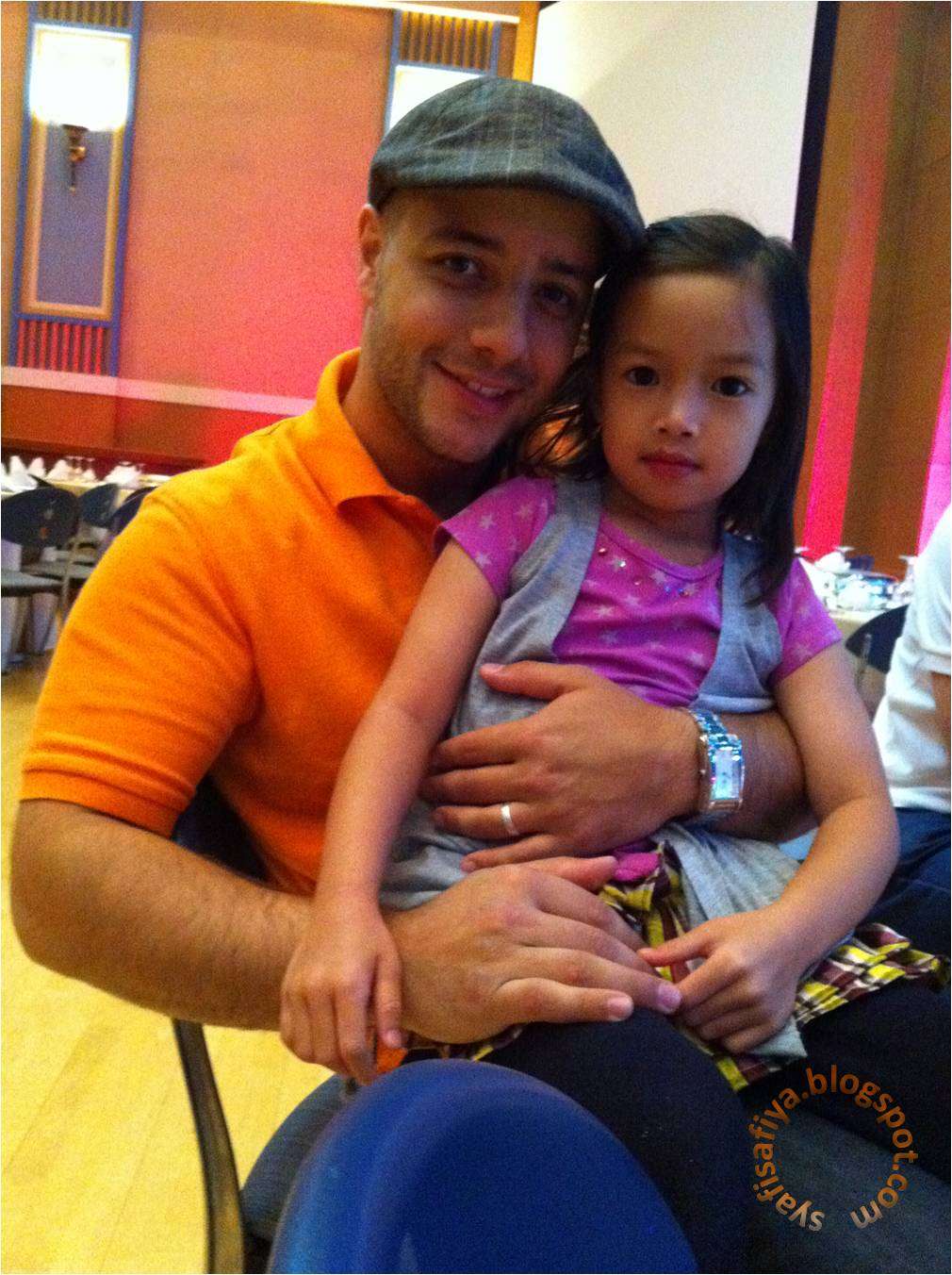 Maher Zain With His Wife And Daughter http://syafisafiya.blogspot.com/2011/07/too-good-to-be-true.html